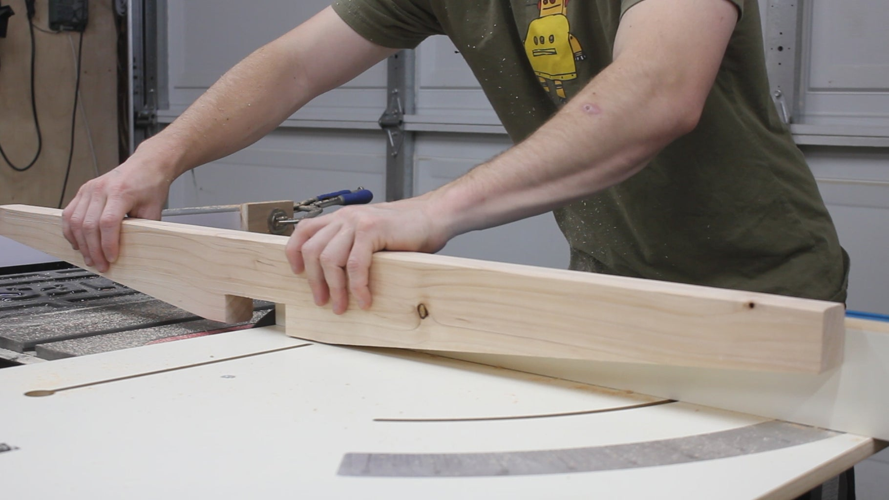Cutting Dados for the Base