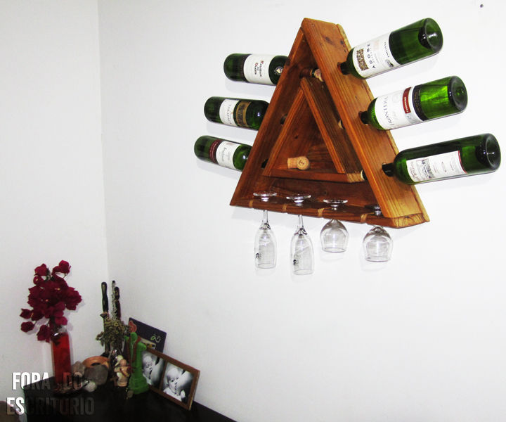 Triangular Pallet Wine Rack for 6 bottles and 4 cups