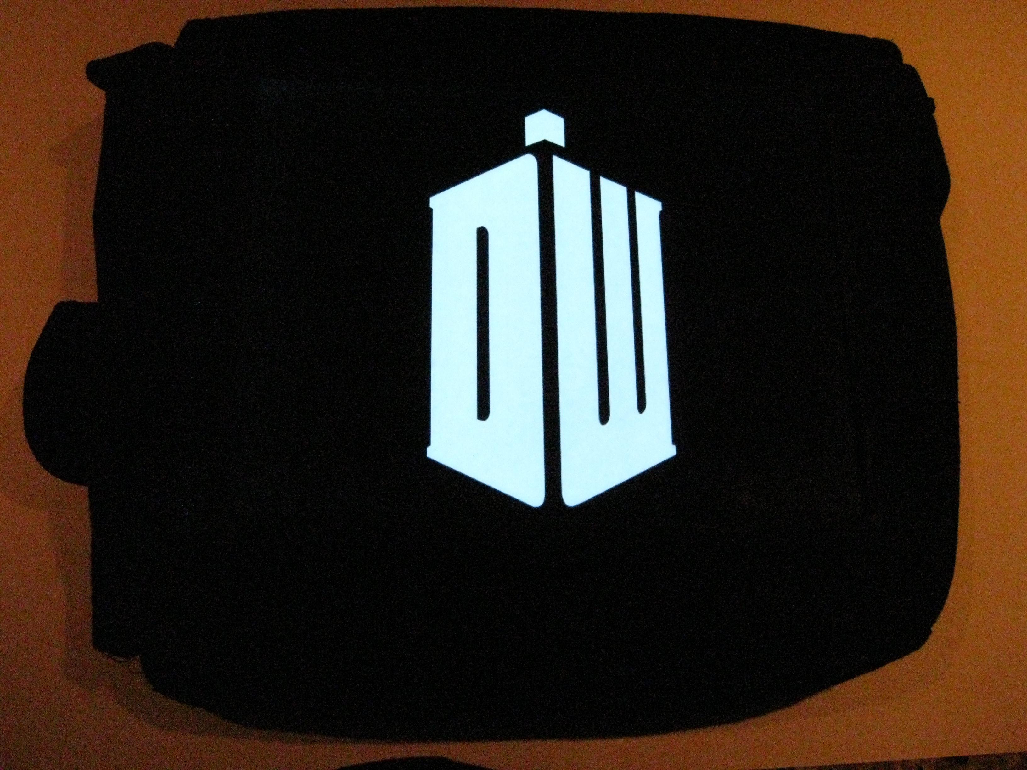 Ultimate Geek Bag: DIY EL Glowing Bag