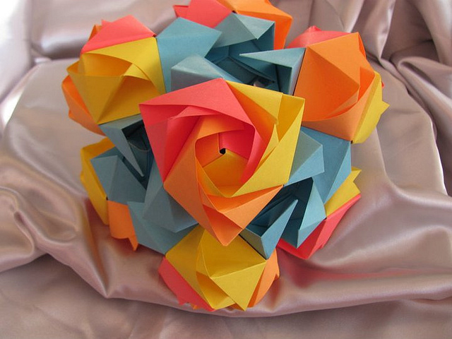 How to make an Origami Transforming Rose Cube!