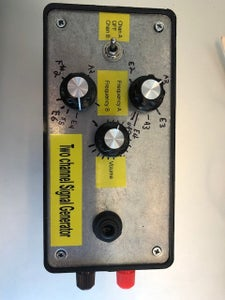 Two Channel Signal Generator for Guitar