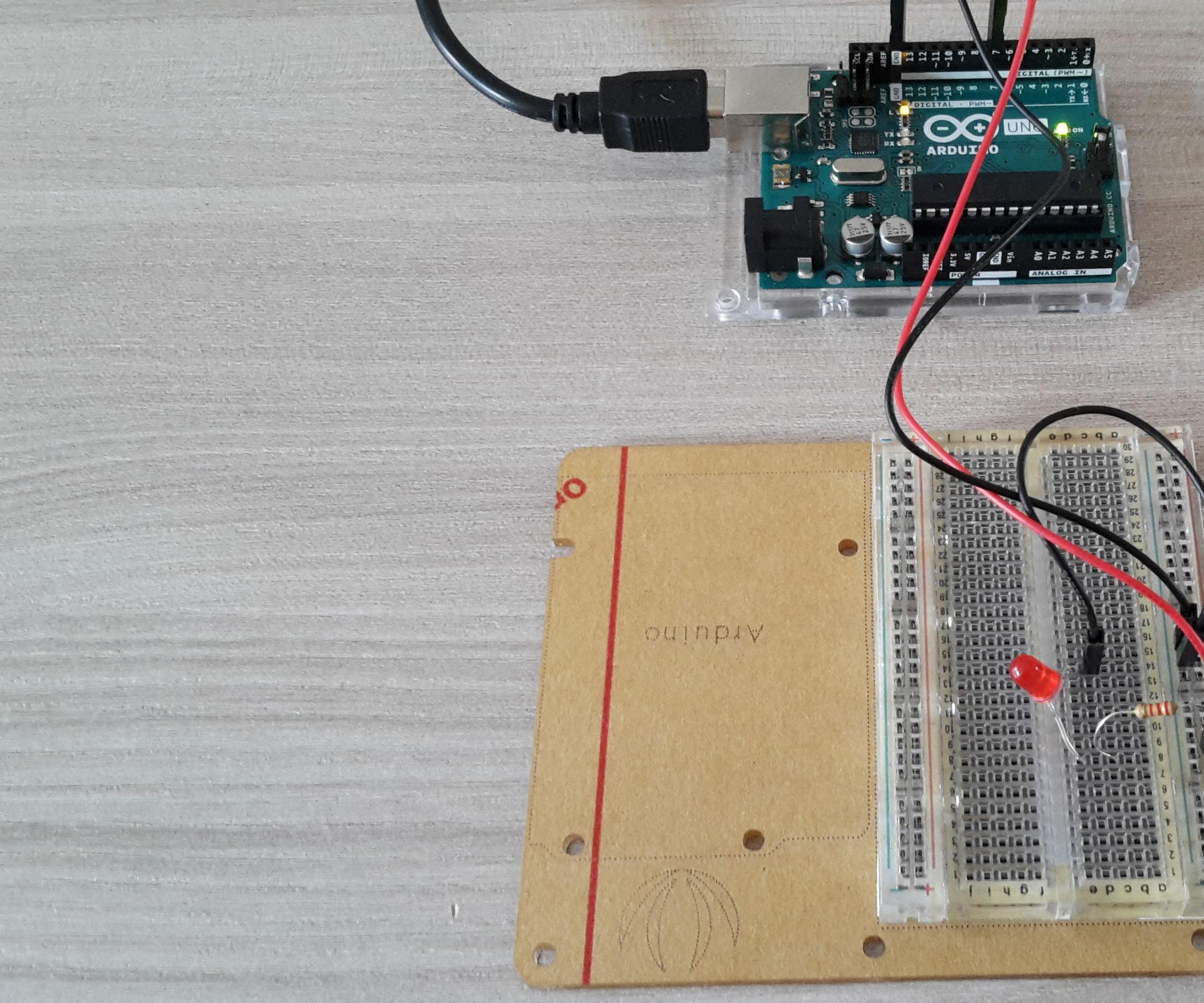 Smart Home & Arduino: Light Bulb Control