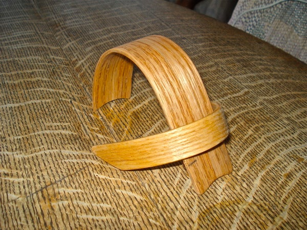Bent Wood Ipod Stand