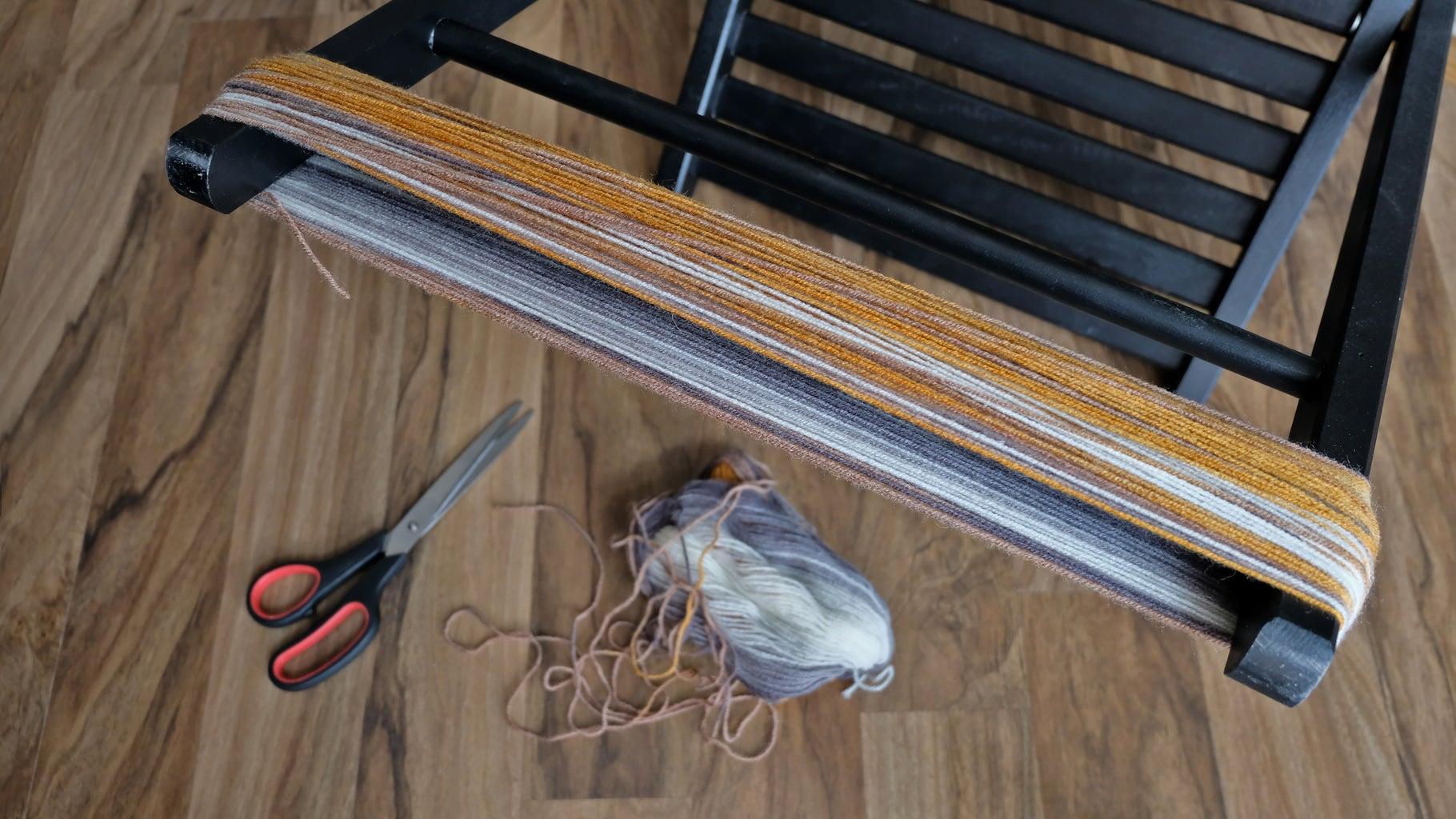 Making Pompoms. Winding