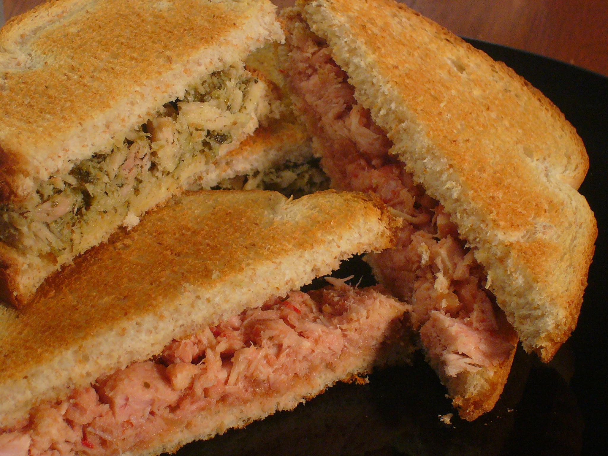 [Collegiate Meals] Two Way Tuna Sandwiches
