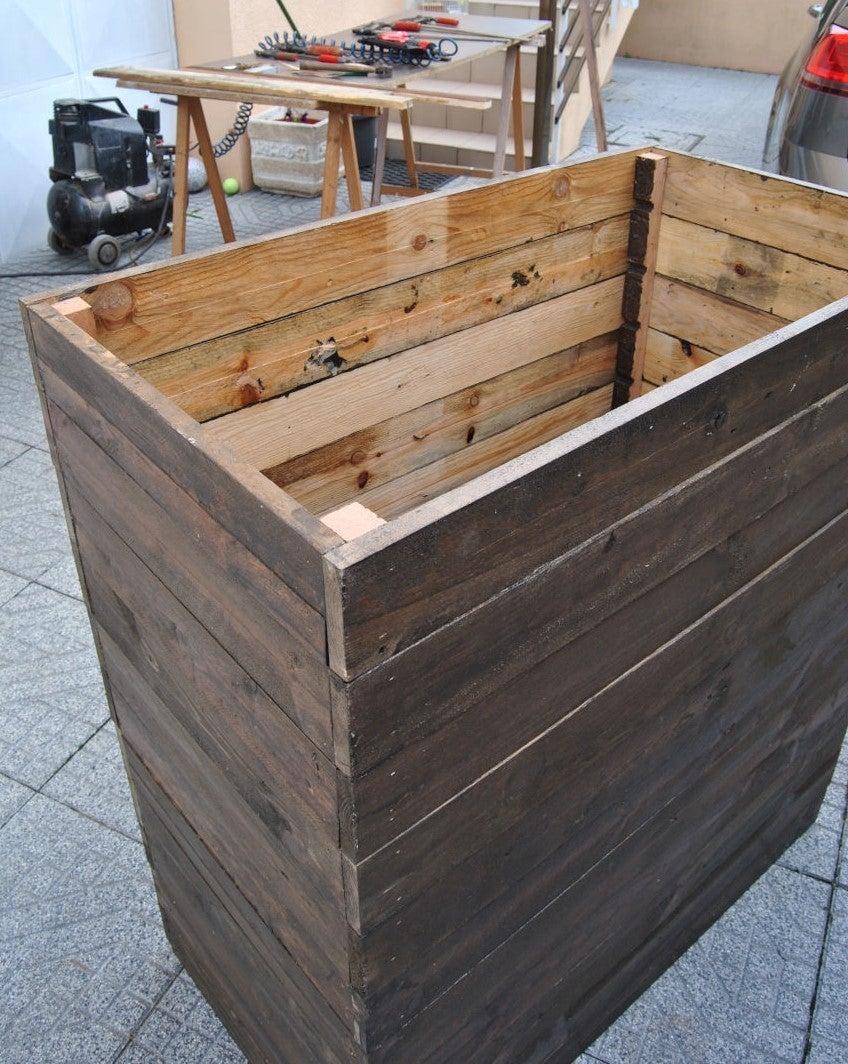 Assemble Sidewalls, Bottom and Feet