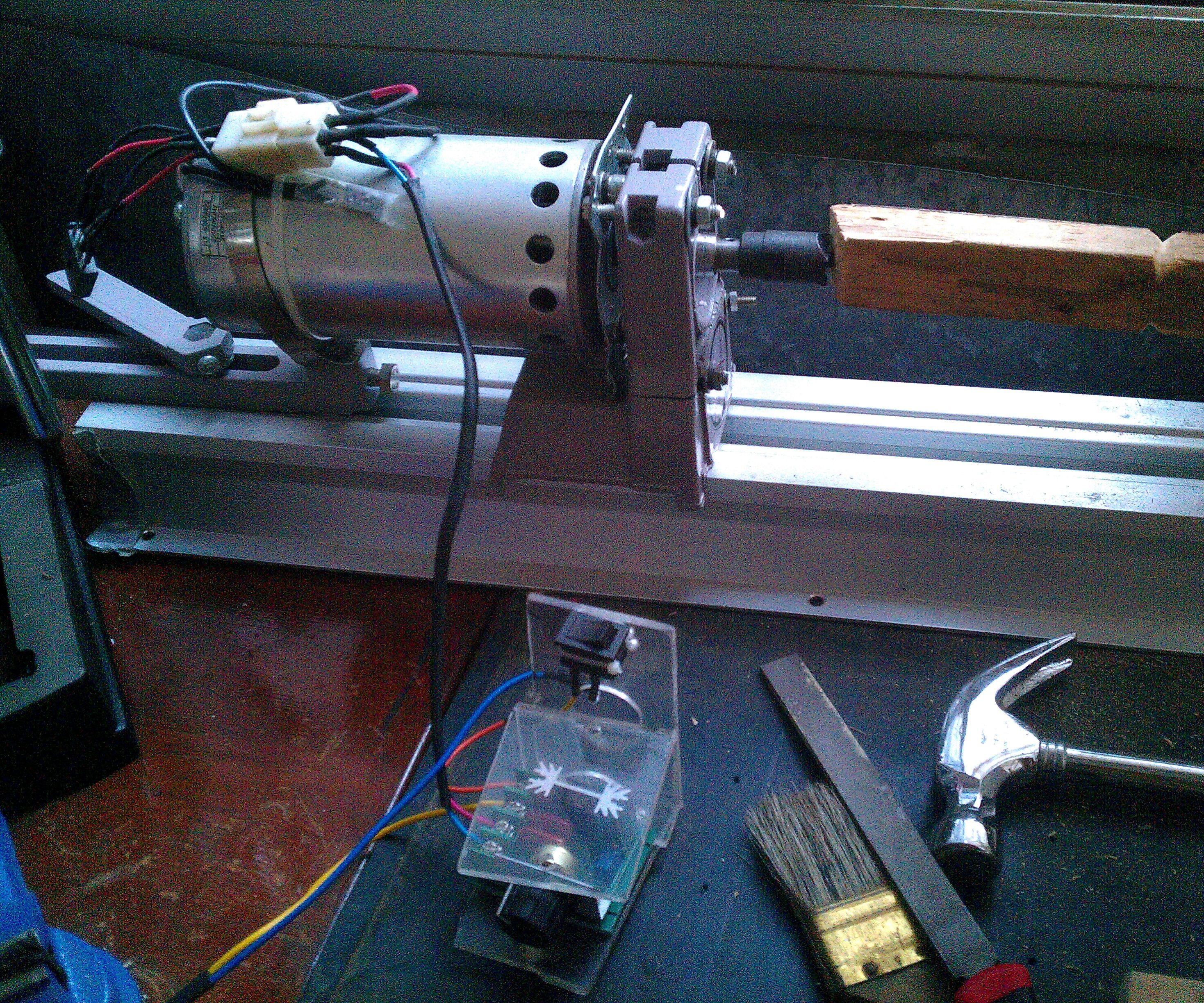 A simple lathe with adjustable speed