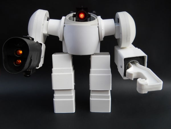 Decorative Battle Mech (made With White Plastic Trash)