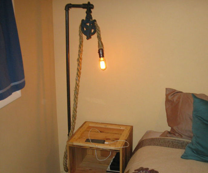 Rustic Pallet Nightstand With Lamp