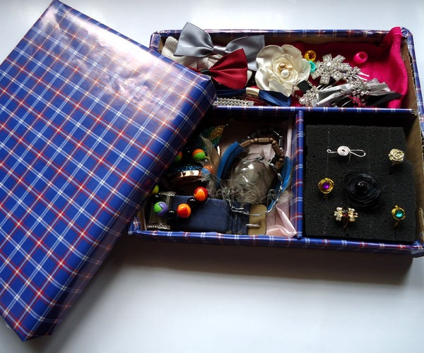 Cardboard Jewelry Organizer