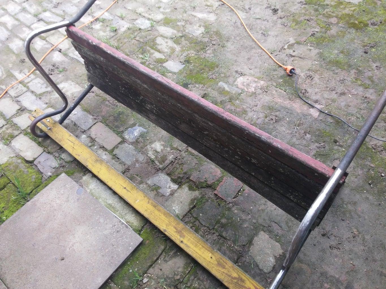 Inspecting Bench