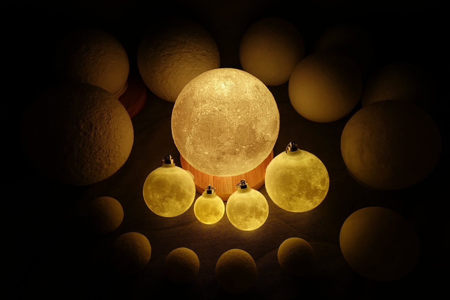 3D Modelling Moon Lamp