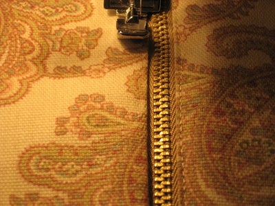 Stitch the Outer Pieces to the Zipper