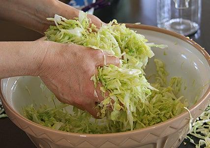 Massage Cabbage
