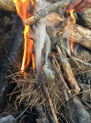 How To Light A Fire With A Magnesium Flint Instructables