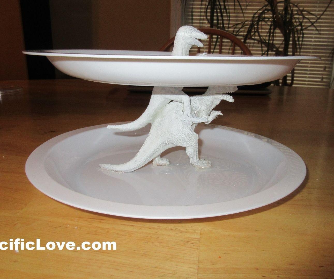 Dinosaur Serving Dish - DIY Crafts