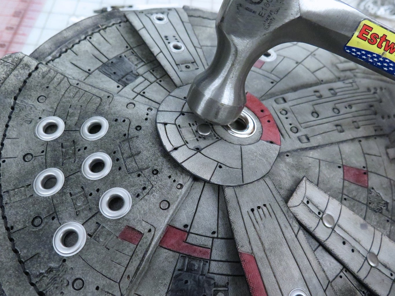 Attaching the Central Gun Well and Escape Pods