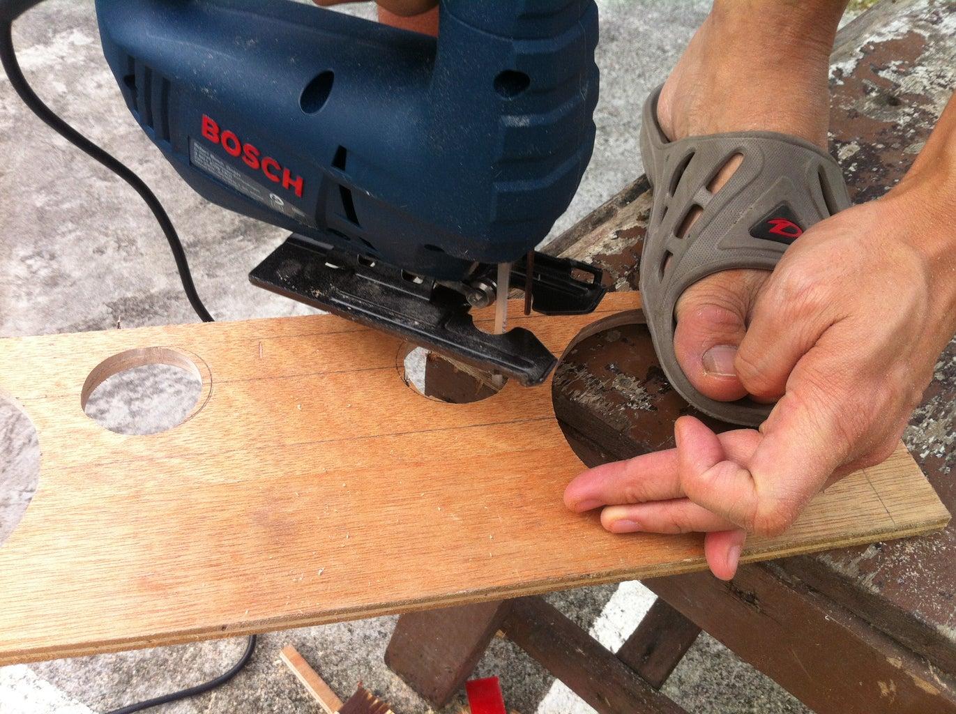 Cutting the Wood (Jigsaw)