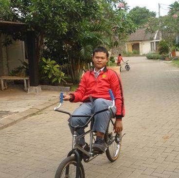 BMX and MTB Change Into a Simple Recumbent Bike