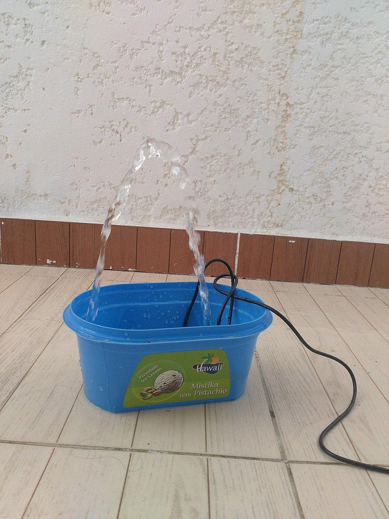 Super Simple/Solar Water Fountain for Kids