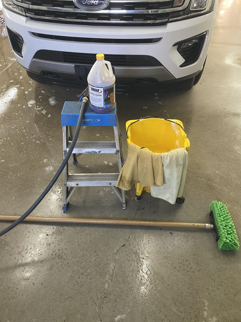 How to Successfully Wash a Car