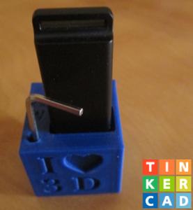 Easy Desktop Item Holder Made With TinkerCAD