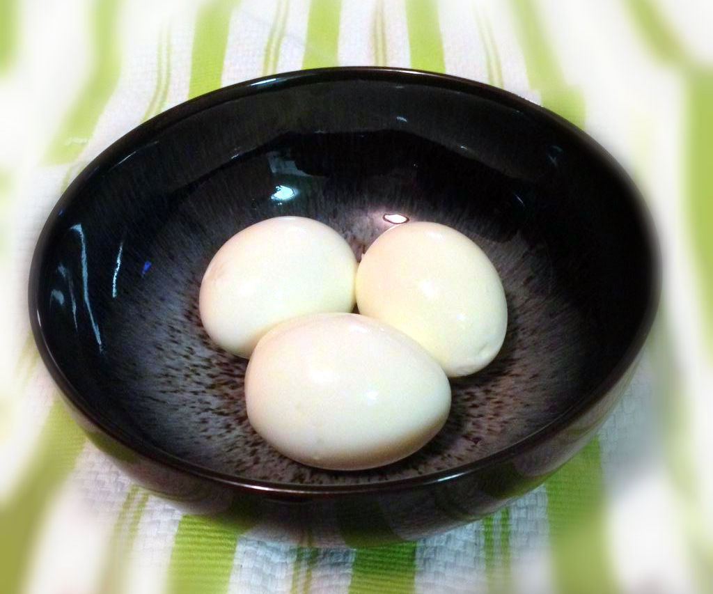 Ridiculously Easy Peel Hard-Boiled Eggs! What? No Way!