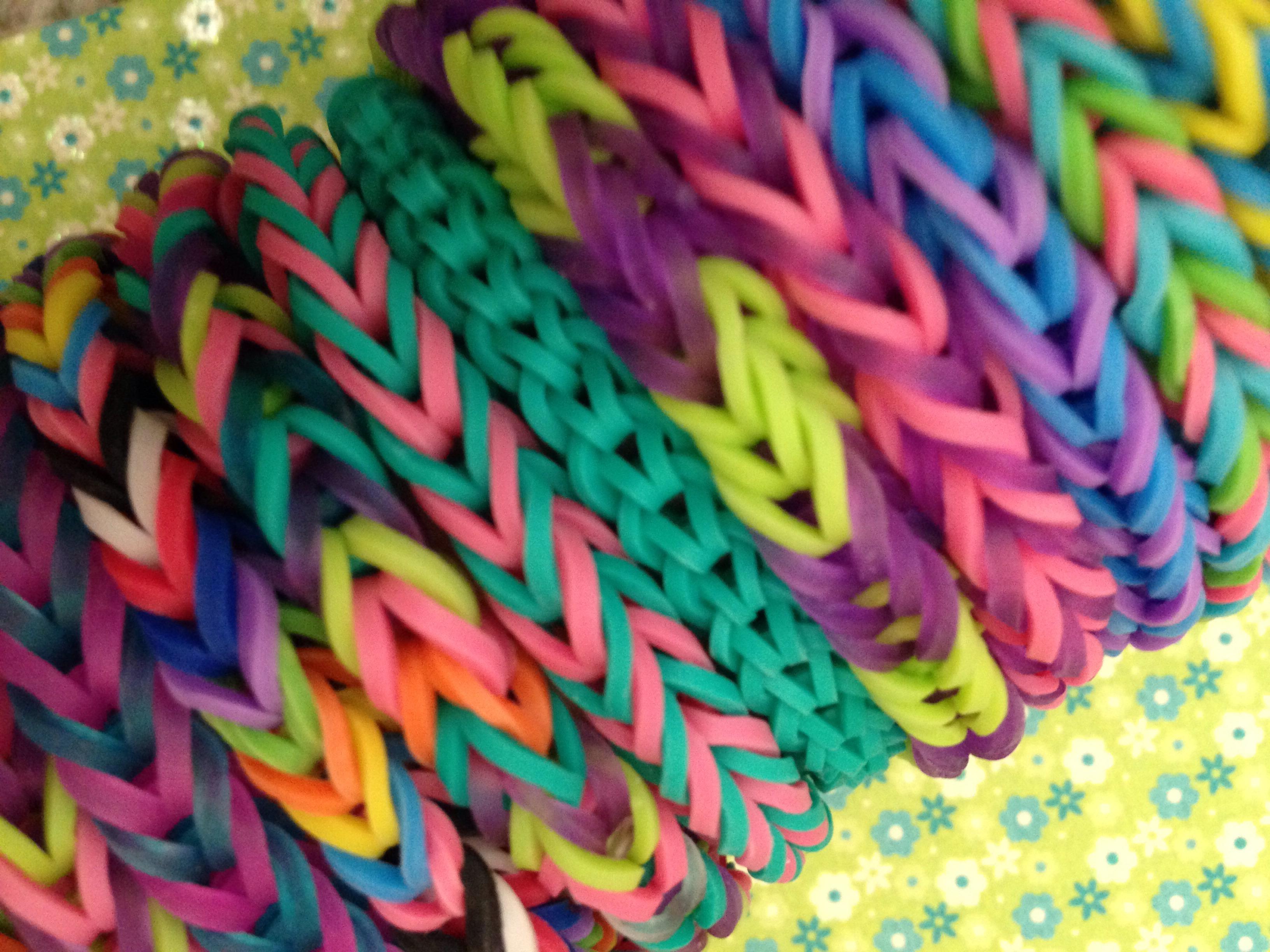 Fishtail Rubberband Bracelet