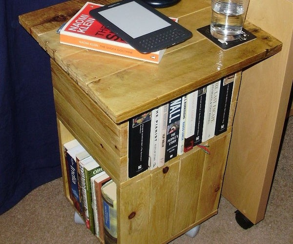 A Table/bookcase Made From a Pallet