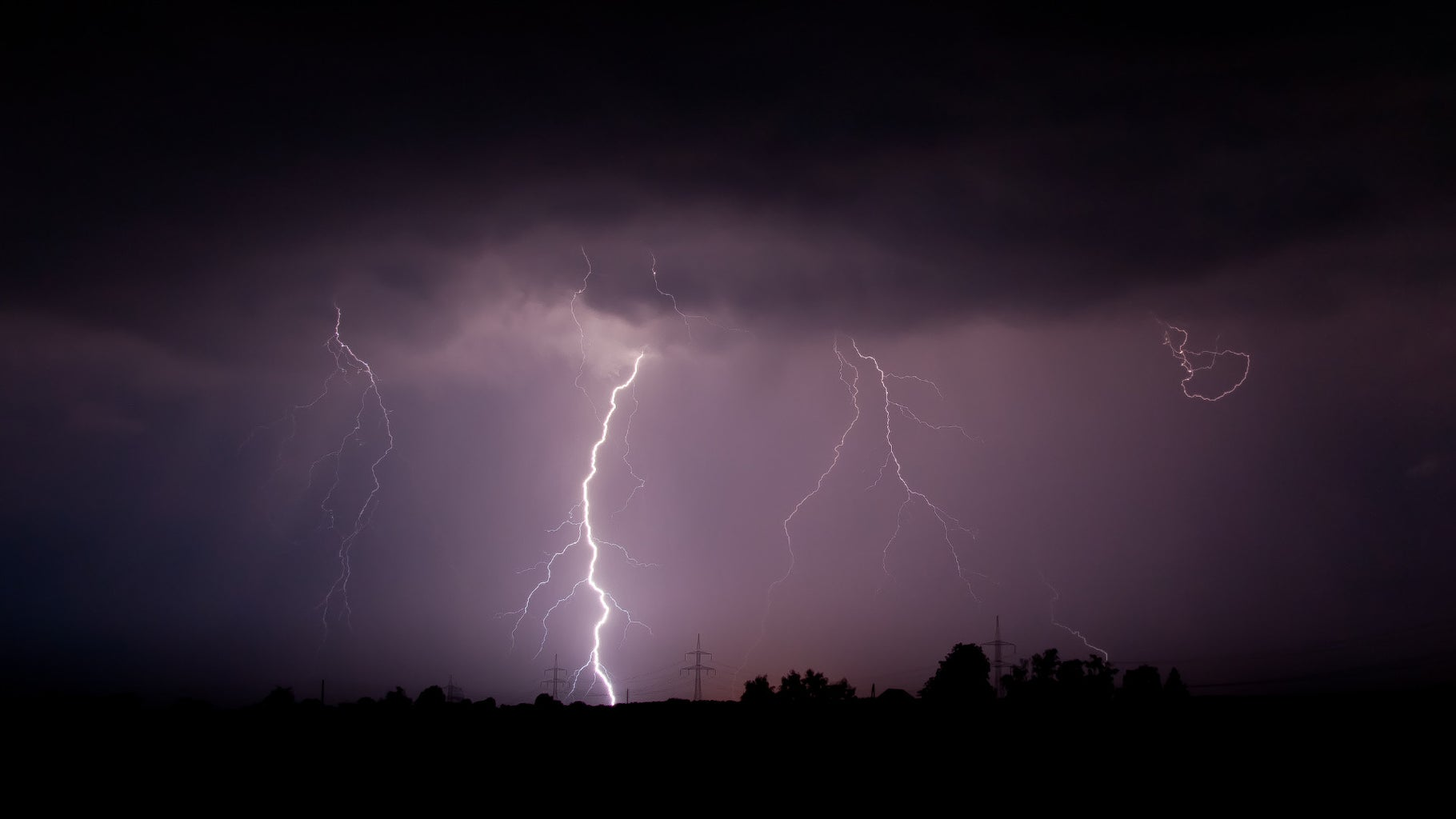 How to Capture a Photo of a Lightning (poor Man's Way)