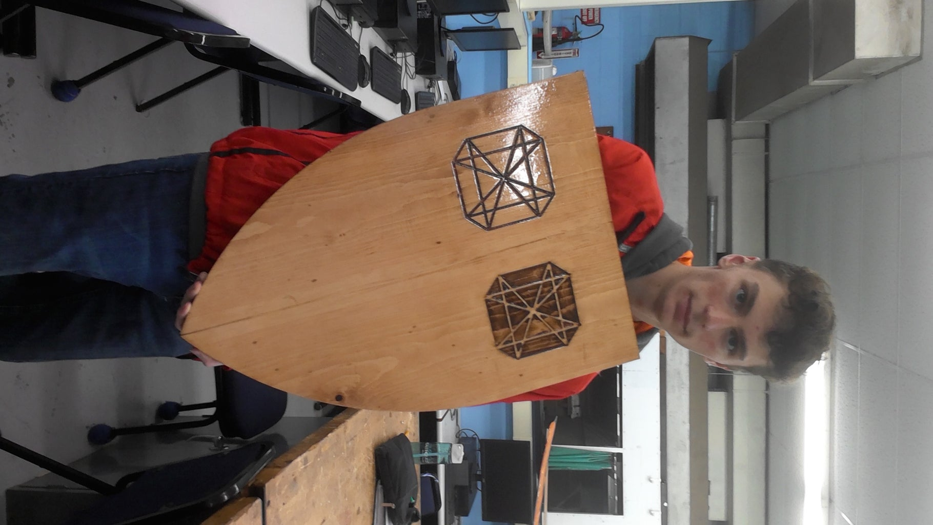 How to Make a Wooden Shield With a Poly Finish