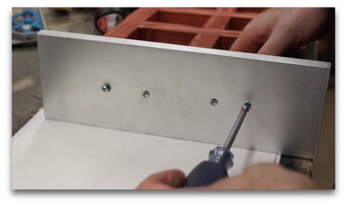 Attaching the Metal Base (2/2)