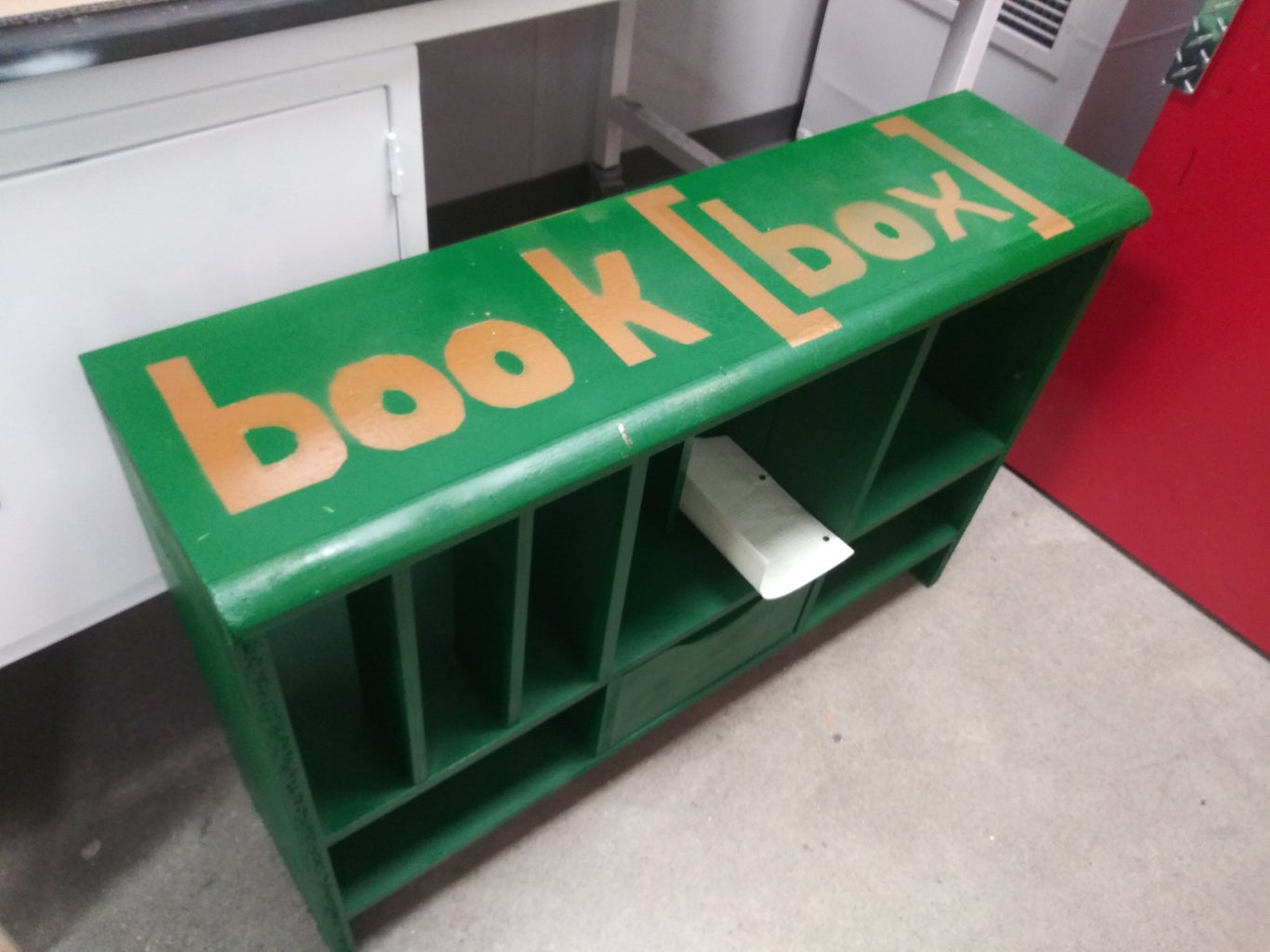 Spray Painting an Old Bookshelf With Stencils