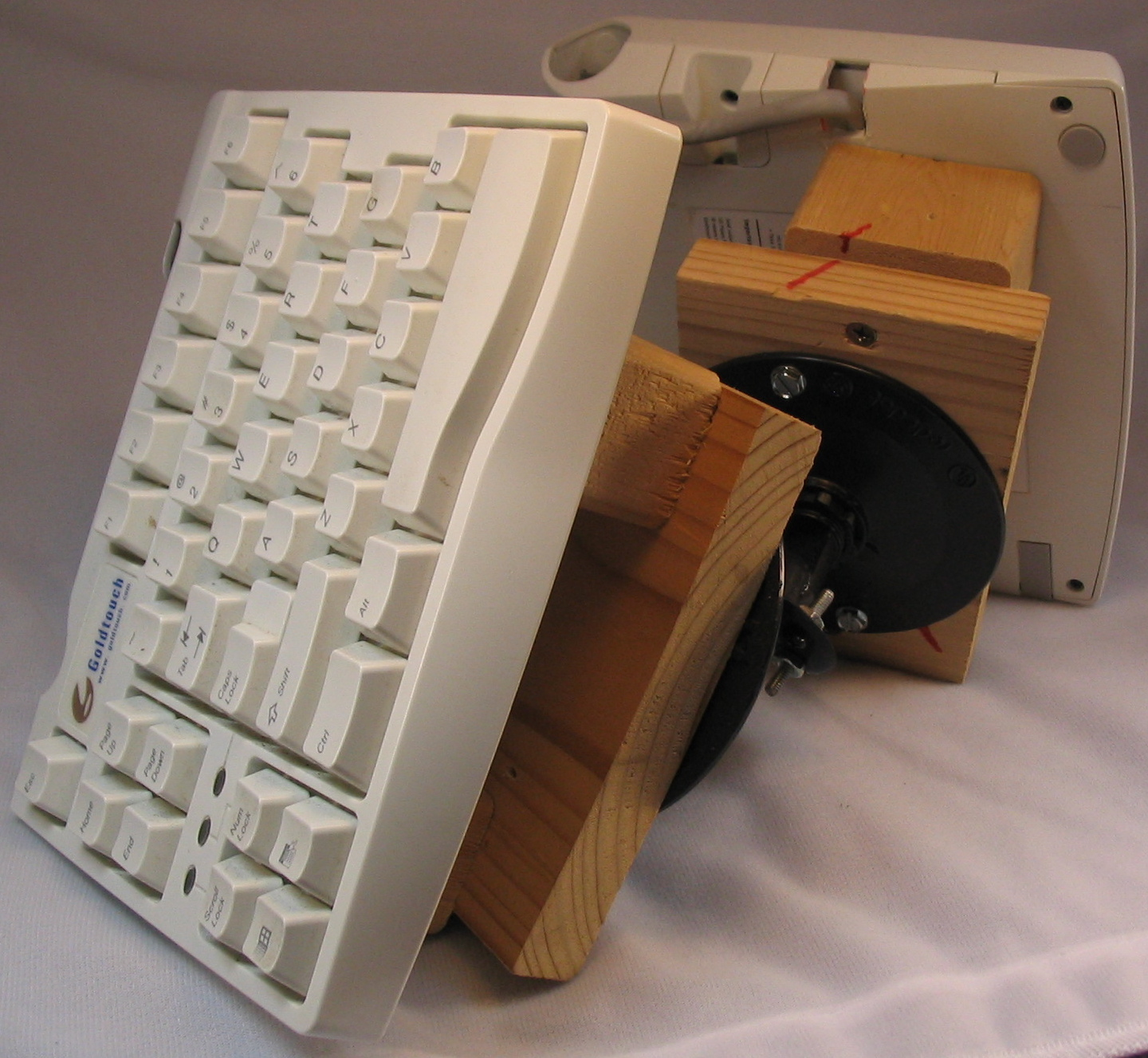 How to make a vertical, ergonomic (tie-fighter) keyboard