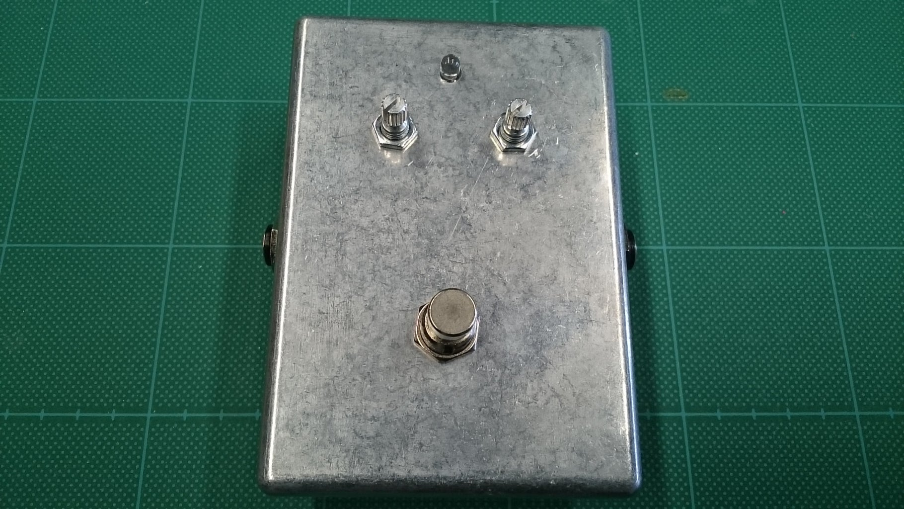 手作りギターエフェクター Handcrafted Guitar Effector