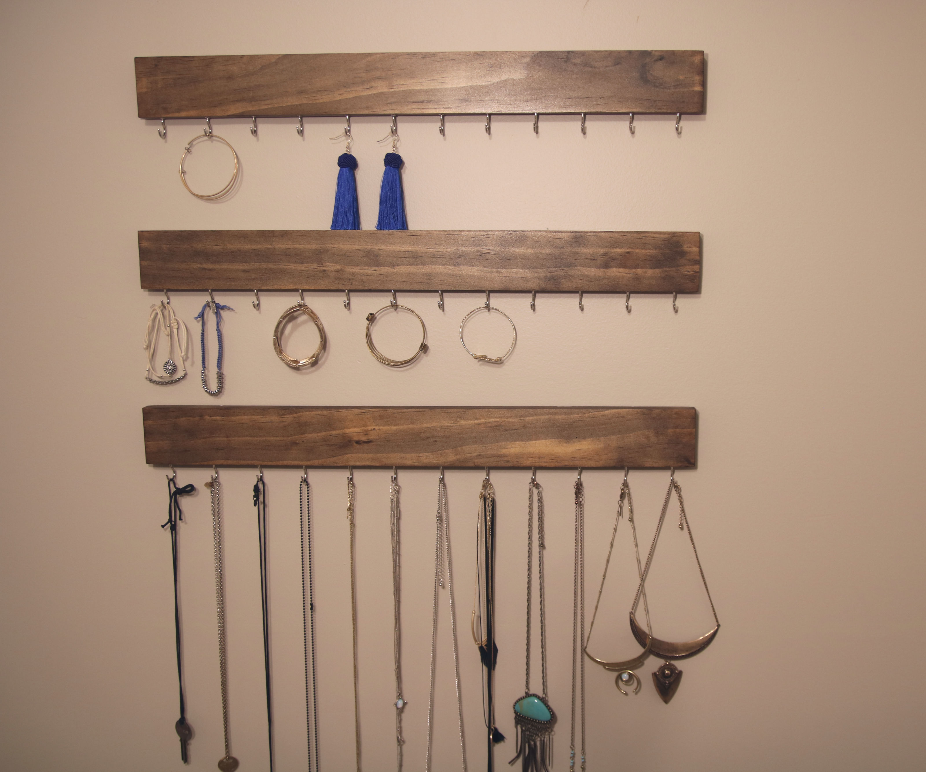 How to Make a Simple Jewelry Hanger