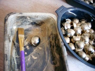 Coating With Bronze Powder