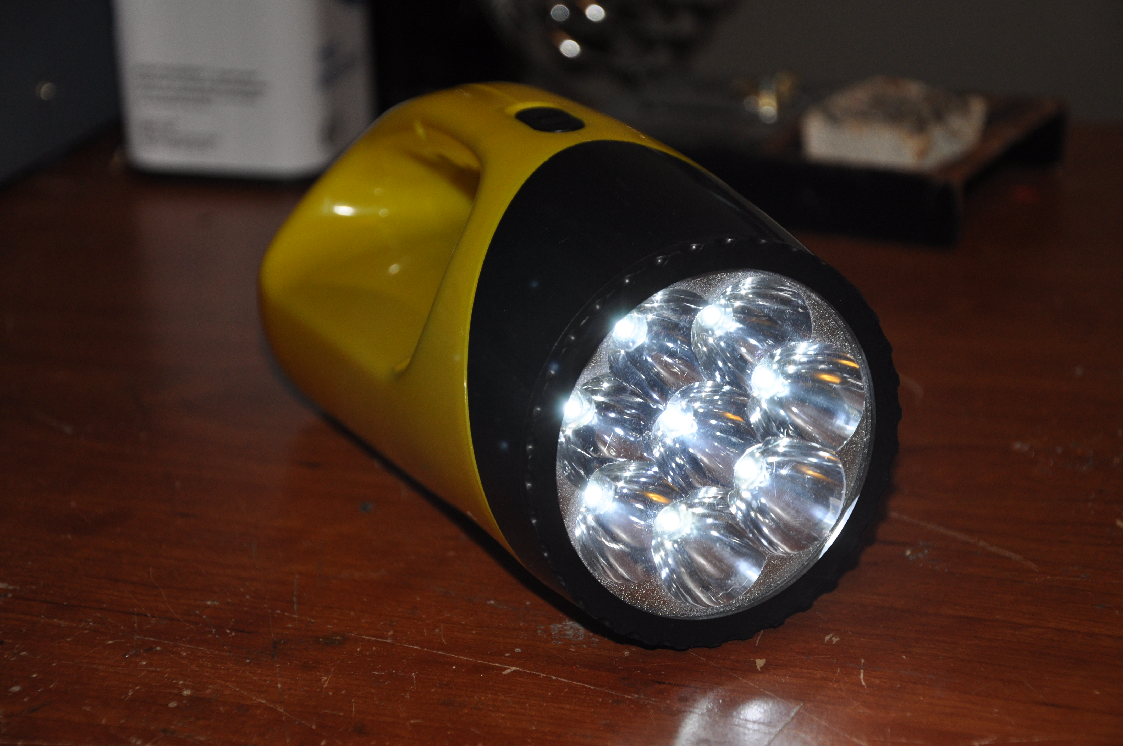 The EXTREMELY EASY VERSION of the Super Capacitor Flash light