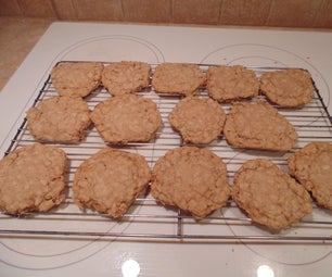 Soft Old-Fashioned Oatmeal Cookies