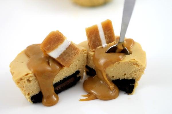 Dulce De Leche Baked Mini Cheesecakes