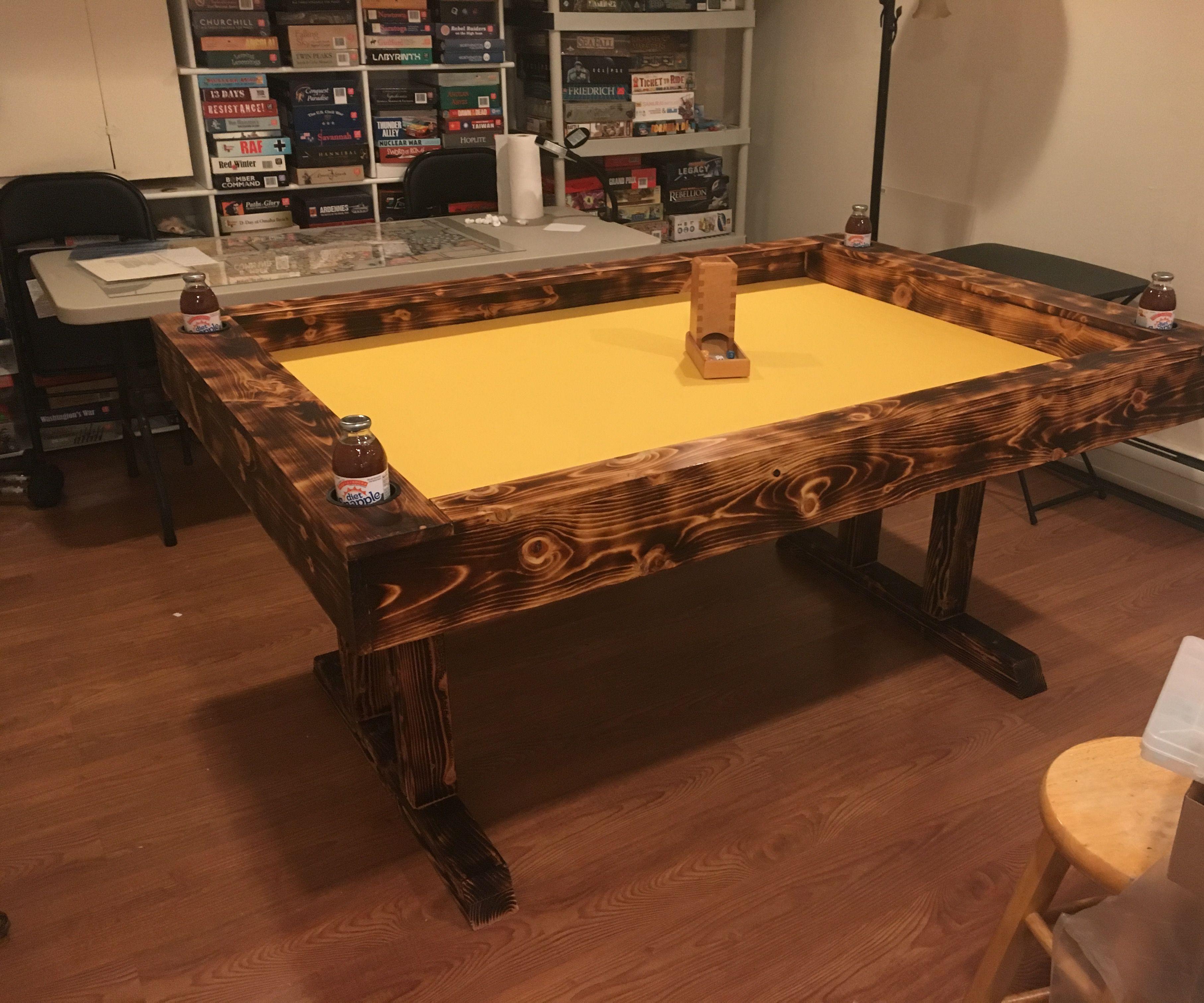 Hi-Contrast Gaming Table