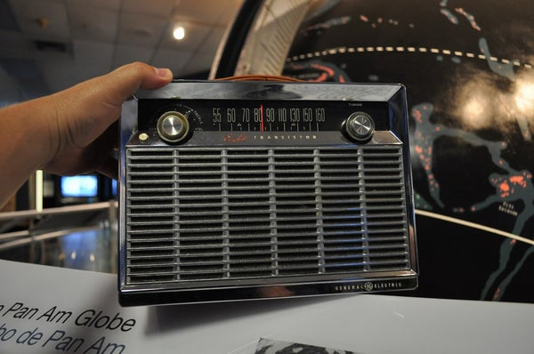 How to Revive an Antique GE P780B Lunchbox AM Transistor Radio From 1959