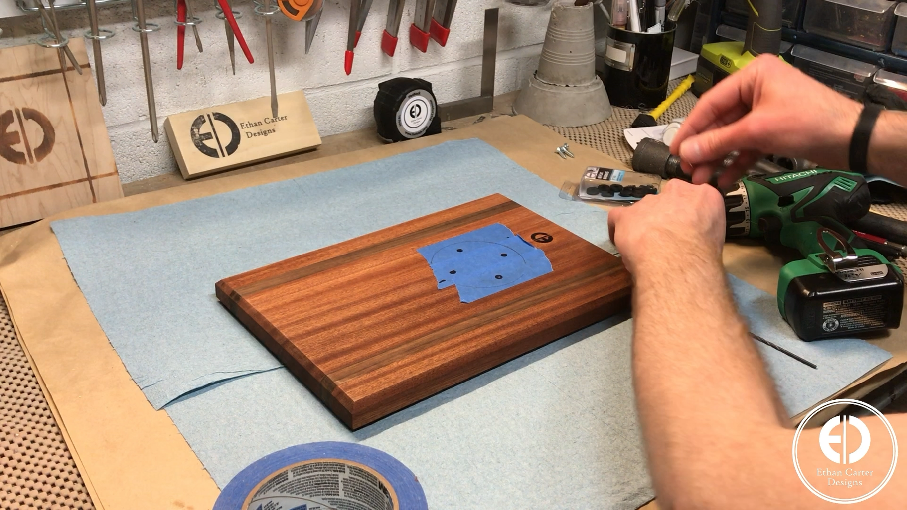 Attaching the Flange to the Tabletop
