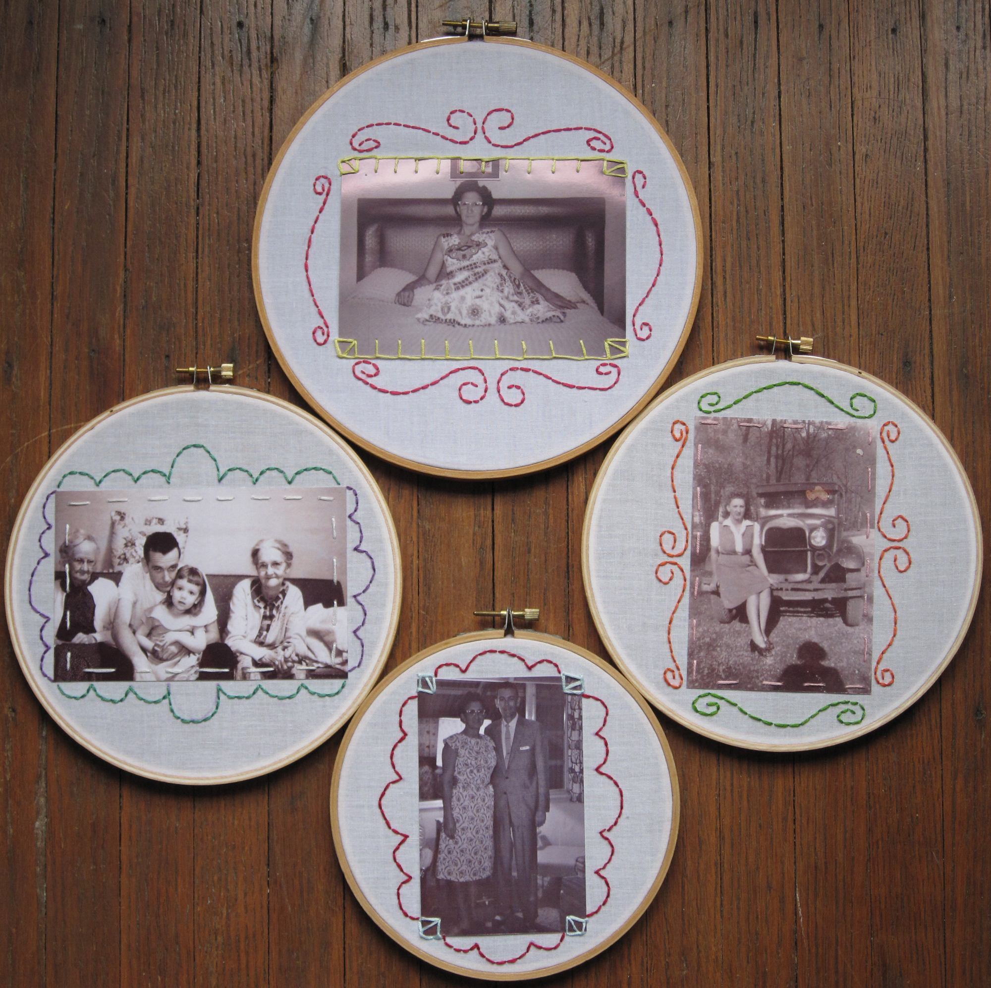 Embroidery hoop picture frame!
