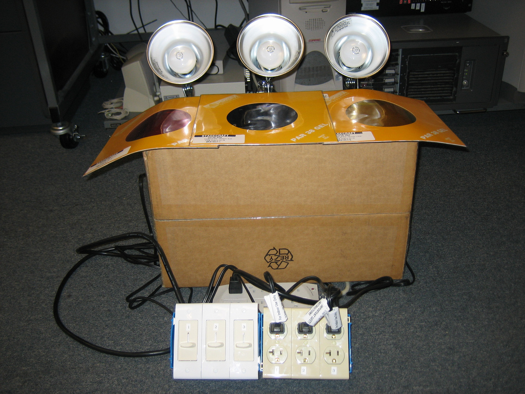 Build the BandBlinder - Stage lights on the cheap