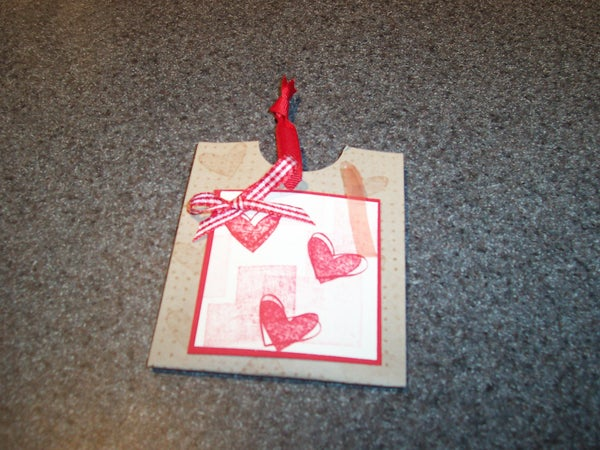 Easy DIY Valentine Gum Dispenser