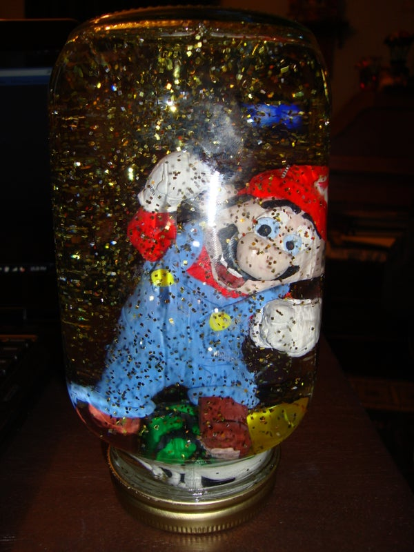 """Super Mario Brothers Gold Coin """"Snow"""" Globe"""