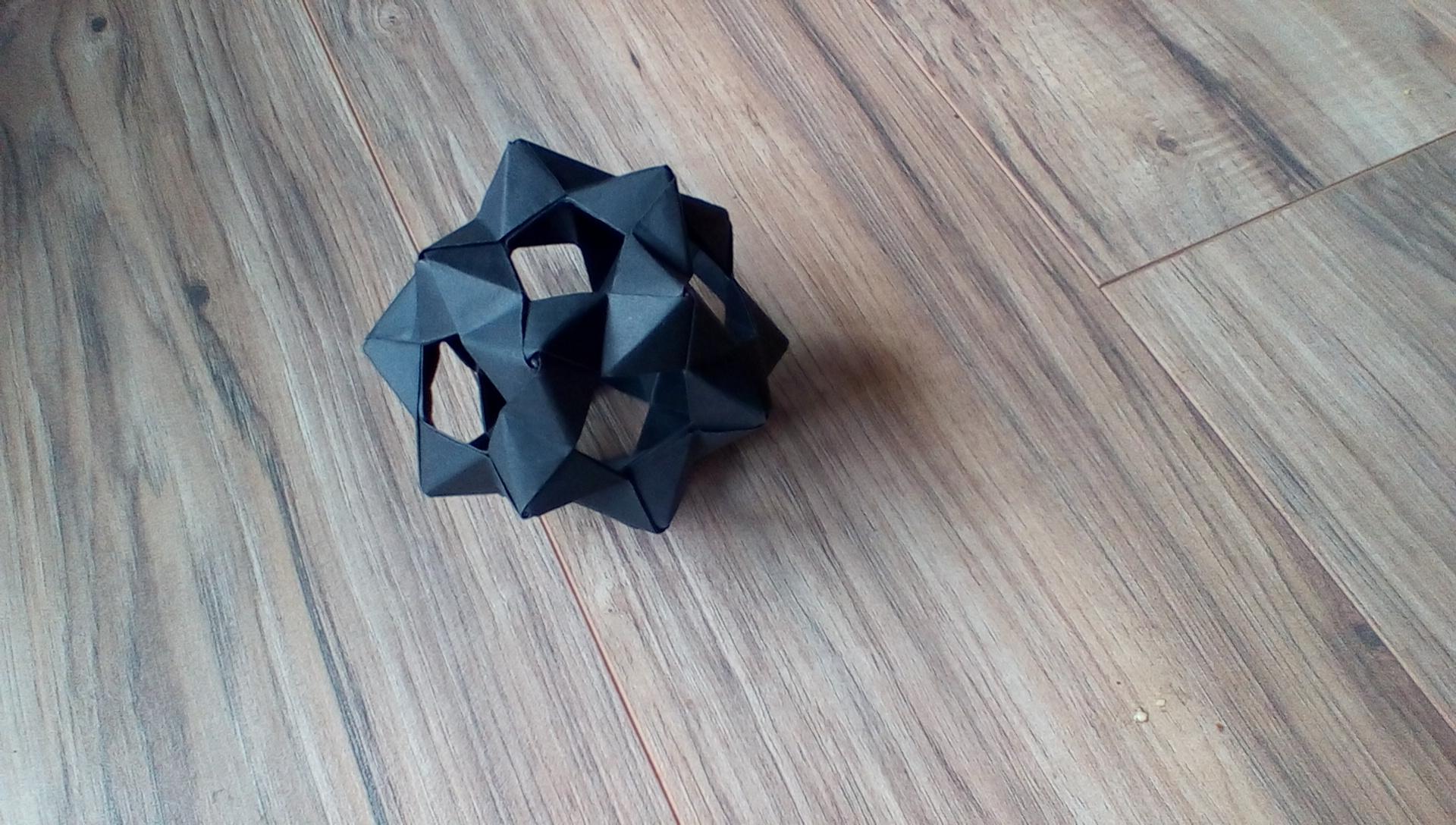 30 Unit PHiZZ Ball (modular Origami)