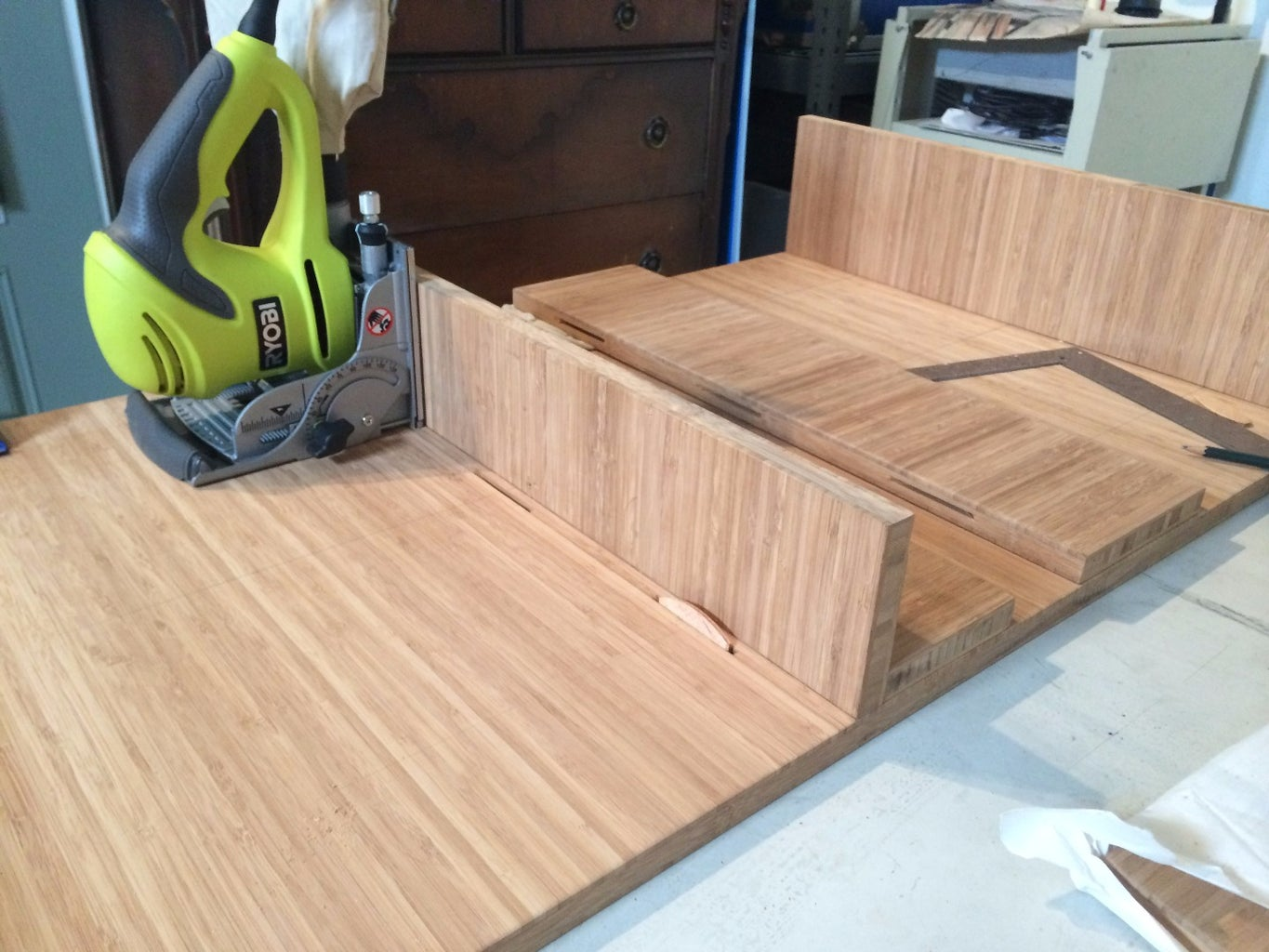 Cutting Biscuit Joints Into Table Top, Bottom and Sides.