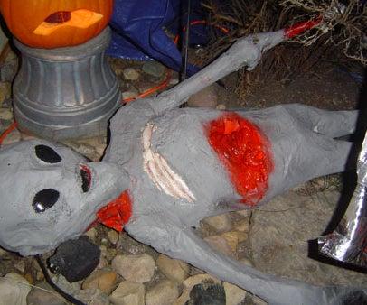 Dead Alien - Halloween Prop